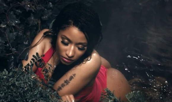 nicki-anaconda-2-LS