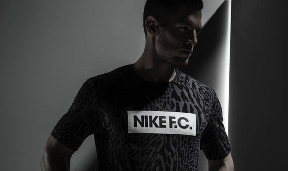 Su15_NSW_NikeFC_Glory_Tee_01_original