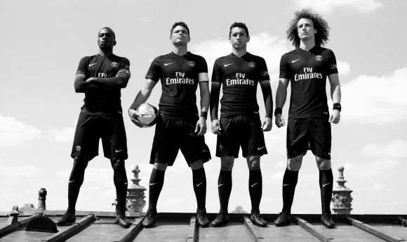paris-saint-germain-2015-black-kit-MFF-LS
