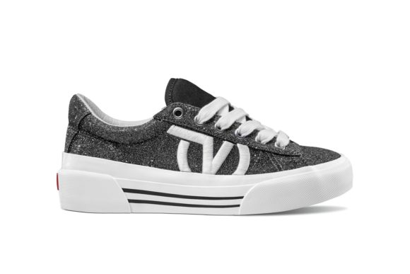 https _hypebeast.com_wp-content_blogs.dir_6_files_2019_05_vans-sid-ni-silhouette-release-gliter-blue-black-2