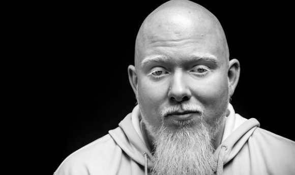 brotherali-leftinthedeck-L