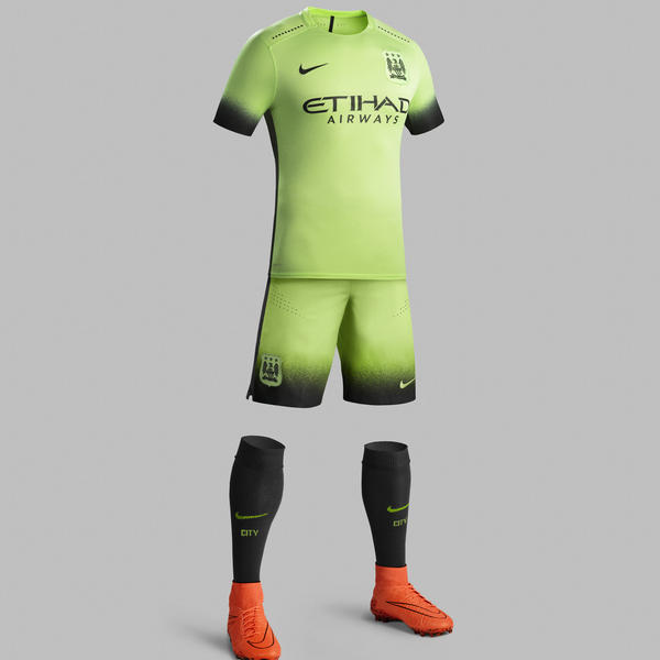 Ho15_Club_Kits_3rd_Jersey_PR_Full_Body_Manchester_City_R_square_600
