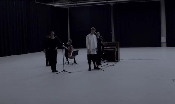 elias-revolution-akustisk-L