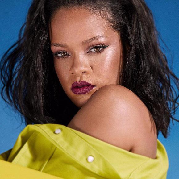 Rihanna-2019-S