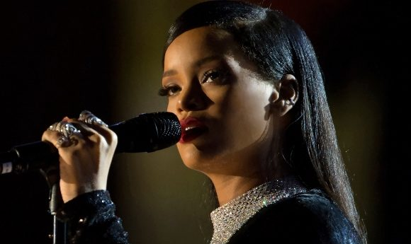 Rihanna sings during The Concert for Valor in Washington, D.C. Nov. 11, 2014. DoD News photo by EJ Hersom