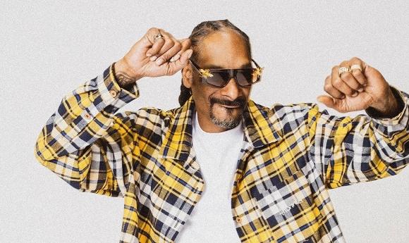 Snoop-Dogg-4Hunnid-L